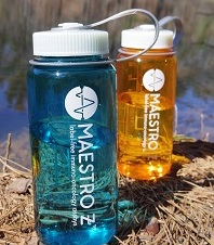 Two Axion Maestro Z waterbottles - hiking with your favorite lab mate